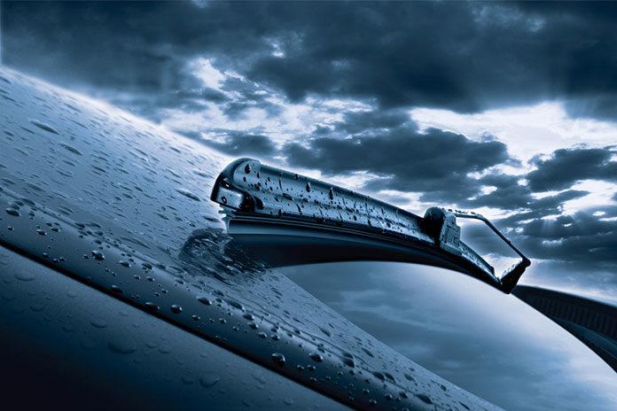 Wycieraczki w samochodzie - kiedy należy je wymienić?